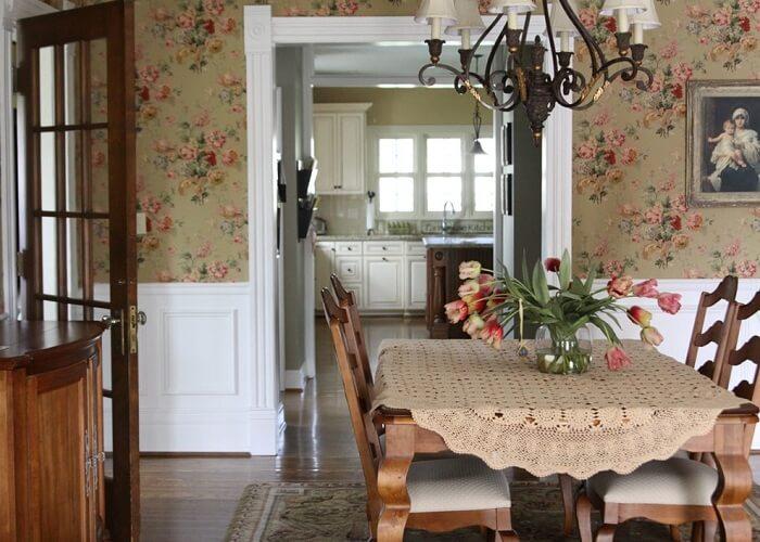 Giấy dán tường phòng ăn mùa xuân