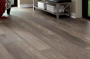 Sàn gỗ dán công nghiệp khác sàn gỗ tự nhiên như thế nào?